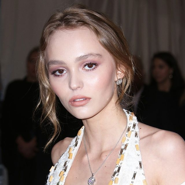 classify lily rose depp. Black Bedroom Furniture Sets. Home Design Ideas