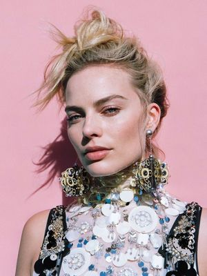 Must-See: Margot Robbie's Crazy-Cool Spread for Oyster Magazine