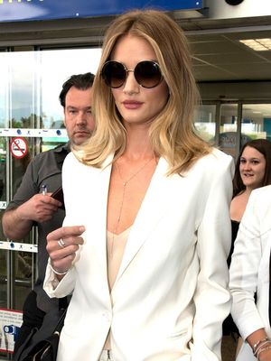 Rosie Huntington-Whiteley's All-White Outfit Defines Airport Chic