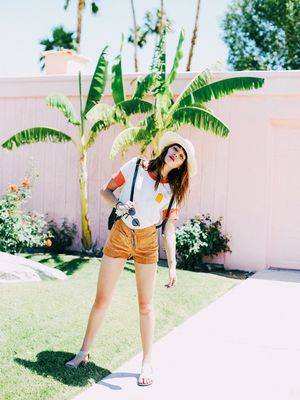7 Stylish Memorial Day Outfits to Wear With Flats