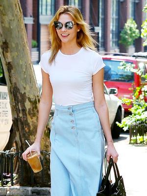 Karlie Kloss Found a New Way to Style a Denim Skirt