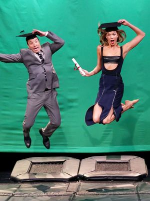 Watch Karlie Kloss Teach Jimmy Fallon How to Do a Vogue Shoot
