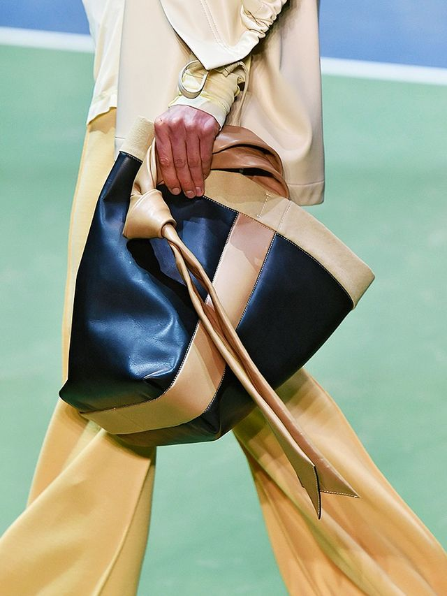 AW16 Fashion Trends: a bag at the Céline show
