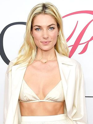 Jessica Hart Wore a Bra and Pajamas on the Red Carpet
