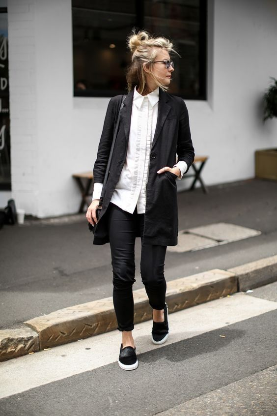 Casual Blazer + Sneakers
