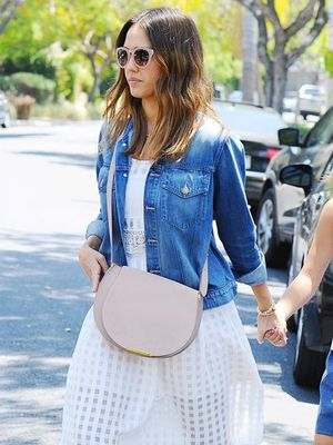 You'll Wear Jessica Alba's $40 Sunglasses Every Day This Summer