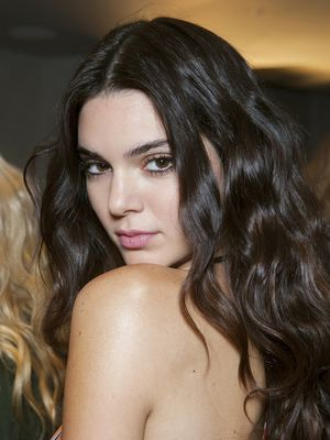 Alert: Kendall Jenner Just Chopped Off Her Hair