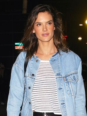 The Cool New Way to Style Your Sneakers Like Alessandra Ambrosio