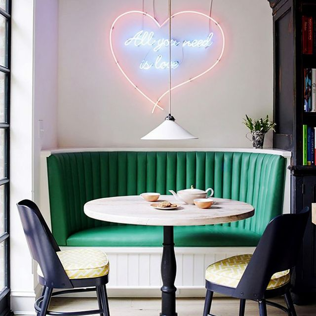 How to Find the Right Neon Art for Your Home