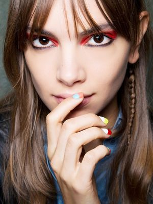 10 Weird Habits We Started Only After Becoming Beauty Editors