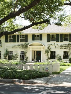 """The """"Father of the Bride"""" Home Is on the Market—Tour It Yourself"""