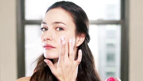 Quick Trick: Get Glowy (Not Greasy) Skin