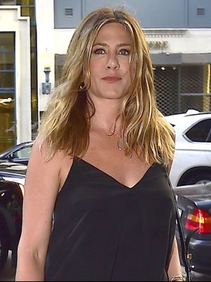 Jennifer Aniston's Date-Night Outfit Is All About the Shoes