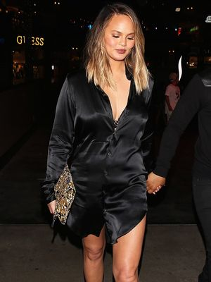 """Chrissy Teigen Is Down With the """"Nothing Shoe"""" Trend"""