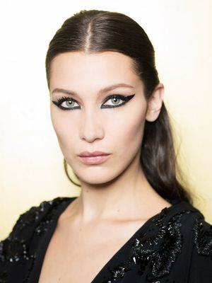 How to Apply the Perfect Cat Eye for Your Eye Shape