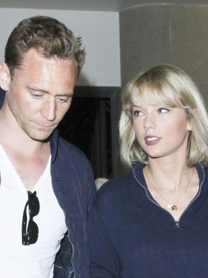 Taylor Swift Wore the Cutest Coordinating Airport Outfit With Tom Hiddleston