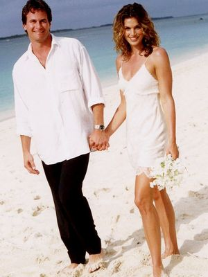 Cindy Crawford's Story About Her Short Wedding Dress Is Adorable