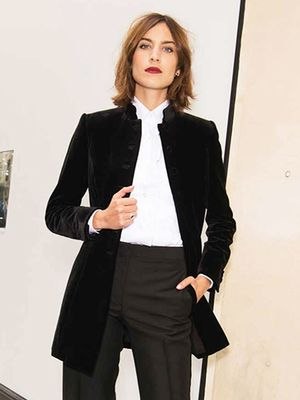 Alexa Chung's Classic Outfit Works for Literally Any Age