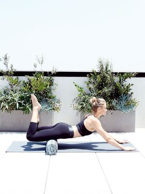 Fit GIF: Want Slim, Cellulite-Free Thighs? Here's How in Just 3 Moves