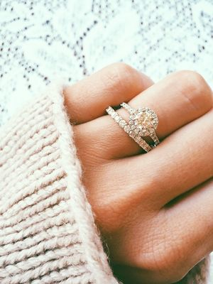 2 Sneaky Hacks to Save Major Money on an Engagement Ring