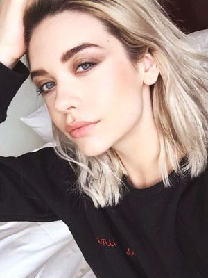 YouTube Star Amanda Steele on Internet Fame and the Key to Her Perfect Cat Eye