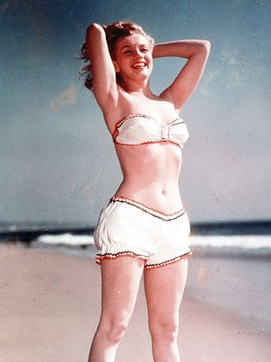 These Old Pictures of Marilyn Monroe in Swimsuits Are Amazing
