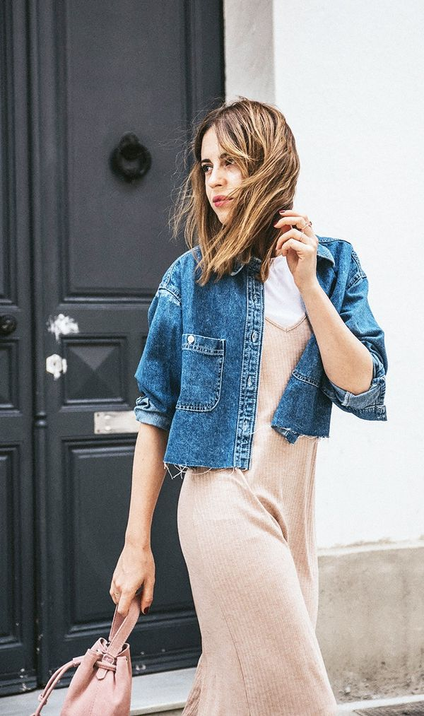 6. Fall isn't the only season that's great for layering your clothes. Try combinations using lighter fabrics in the summer.  On Saray Martín:Bershka Canalé Ankle-Grazer Dress...