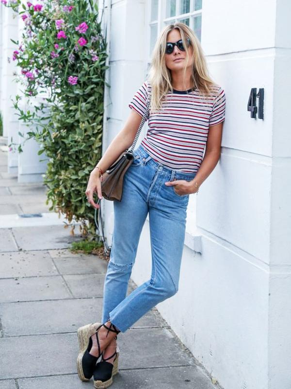 Skinny Tee + Mom Jeans + Espadrilles