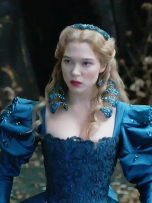 Léa Seydoux Looks Stunning in the Beauty and the Beast Trailer