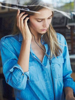Our Editors Can't Get Enough of This Denim Shirt