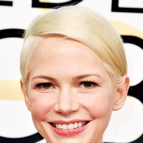 Michelle Williams with a gorgeous platinum blonde short hairstyle. It's one we'd go for.