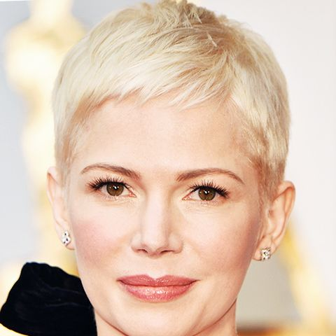 Michelle Williams with a gorgeous platinum blonde short hairstyle at this year's Oscars. It's one we'd go for.