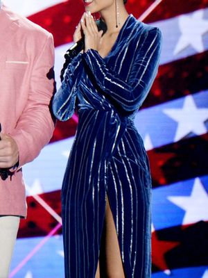 This Celebrity Wore a $99 H&M Dress to the Teen Choice Awards