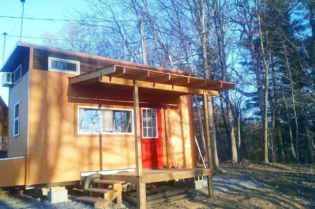 9. Modern Tiny House on Wheels, Asheville, United States
