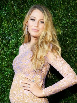 "Blake Lively Just Called BS on the ""Post-Baby Bod"""