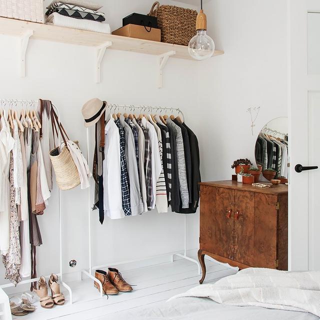 We Asked a Closet Designer How to Organize a Tiny Bedroom