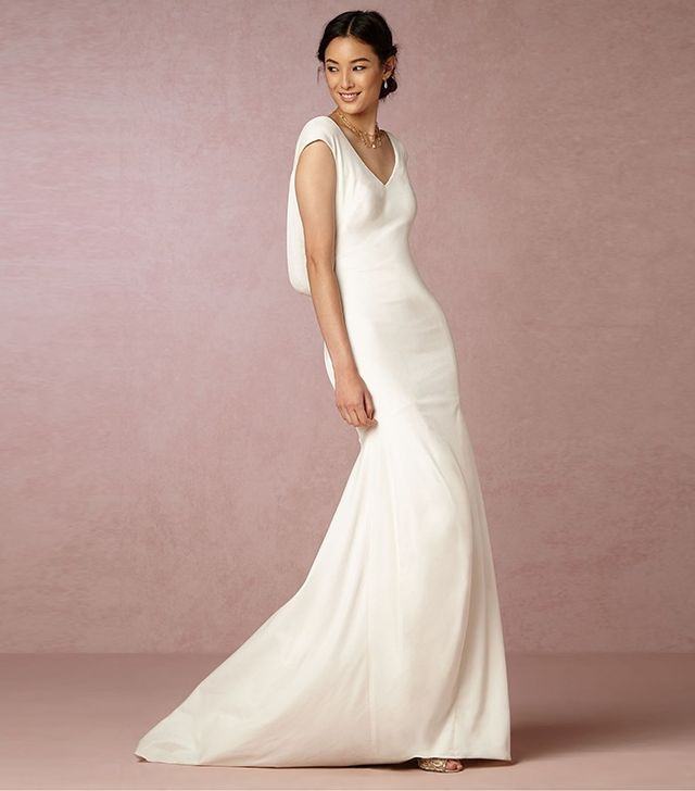 Hate your friend 39 s wedding dress 3 things to keep in mind for How do you preserve a wedding dress