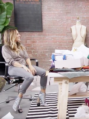 Watch Sarah Jessica Parker Try to Gift Her Shoes to Amazon Fashion's Entire Team