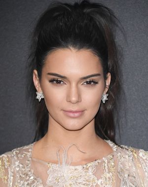 Got Dirty Hair? These Kendall-Inspired Hairstyles Are Perfect for You