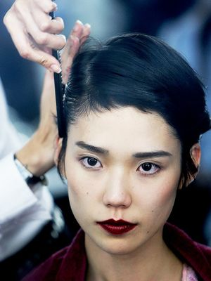 Inside the Mind-Blowing Haircare Routine of a Modern-Day Geisha
