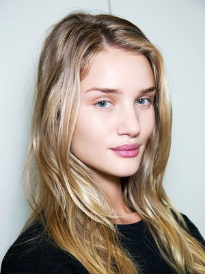 """Models Reveal What's Really on Their """"Makeup-Free"""" Faces"""