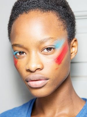 Color-Blocking Is the Latest Beauty Trend From Fashion Week