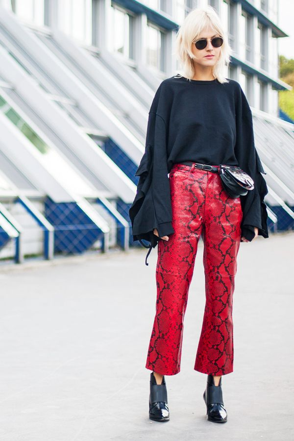 34 Chic Street Style Looks From Paris Fashion Week Whowhatwear Uk