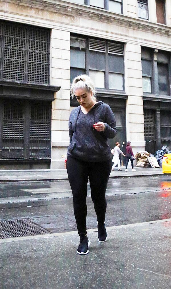 fall outfits street style leggings sneakers