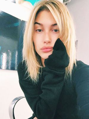 Hailey Baldwin's New Hair Colour Is Perfect for Low-Maintenance Blondes