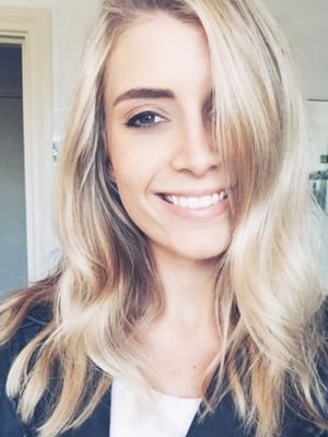 Here's Why Everyone Is Paying Attention to This Blogger's Makeup-Free Selfie