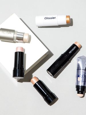 We Gave a Byrdie Reader 5 Popular Highlighters to Try—Read Her Honest Reviews