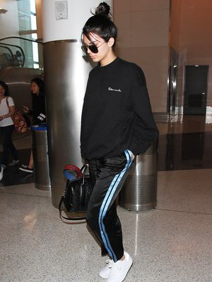 What Kendall Jenner and Miranda Kerr Are Wearing to the Airport Now