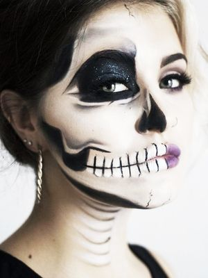 These Half-Skeleton Halloween Makeup Looks Are Completely Mesmerizing