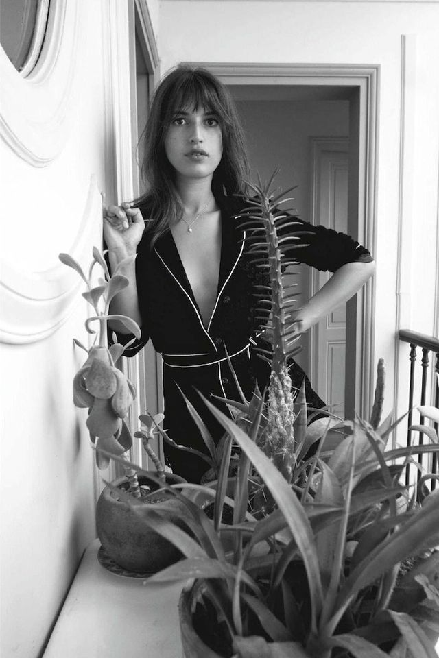 Jeanne Damas Shows Off 5 of the Best Jackets for Fall